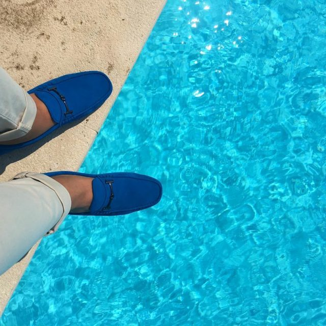 Un tuffo nel blu? rivieragolfresort edoardoalaimolovesromagna EdoardoAlaimoluxurylifestyleluxuryresortluxuryhotelitalyrivieragolfresortloaferstodsloafersbluewaterswimmingpooltimeswimmingpoolmenstylebloggermmfwemiliaromagnaturismo