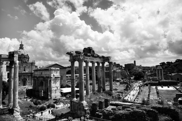 Edoardo Alaimo outfit Musei Capitolini6