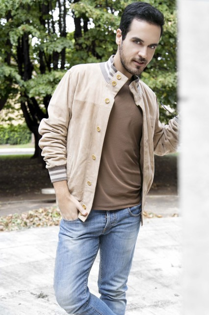 Edoardo Alaimo outfit autunno beige1