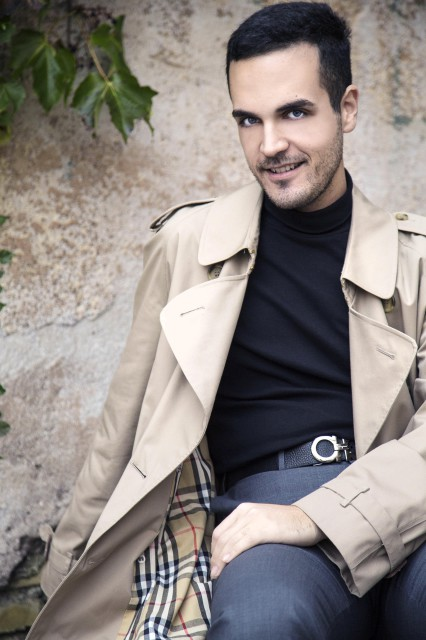 Edoardo Alaimo outfit trench Burberry8