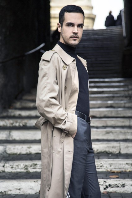 Edoardo Alaimo outfit trench Burberry3