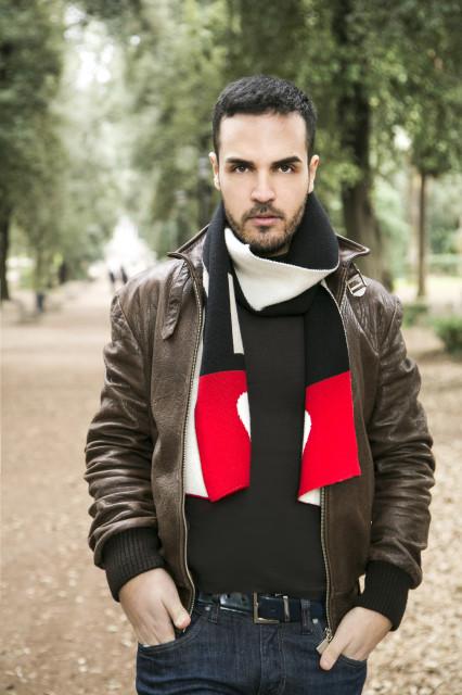 Edoardo Alaimo giacca di pelle outfit streetstyle Villa Borghese4