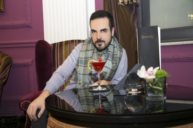 Edoardo outfit aperitivo Regina Baglioni hotel2