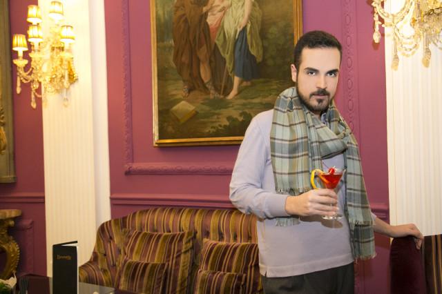 Edoardo outfit aperitivo Regina Baglioni hotel4