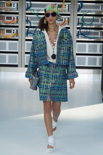 Chanel s/s 2017 Edoardo Alaimo4