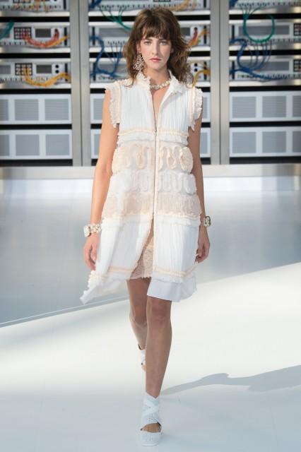 Chanel s/s 2017 Edoardo Alaimo6