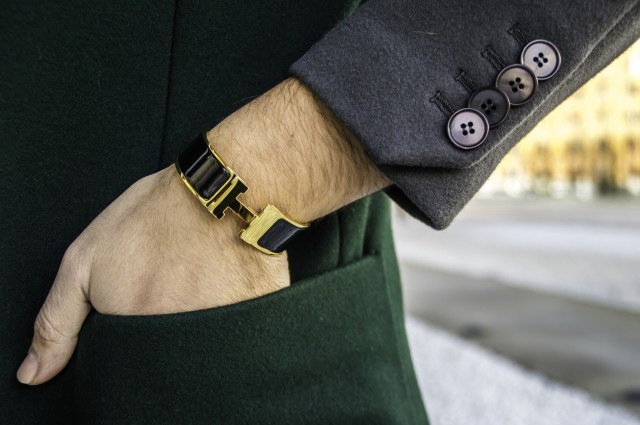 bracciale Hermès smalto oro e nero Edoardo Alaimo6