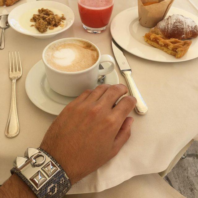 Good morning  have a good breakfast  edoardoalaimobreakfastsummerlifestylehermescollierdechienhermesbraceletorangejuicecroissantyogurtmuffincakespastriessuncolazione