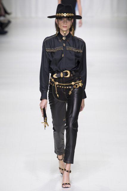 La sfilata tributo a Gianni Versace - Edoardo Alaimo1