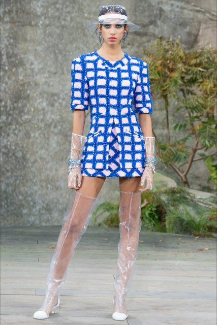 Paris Fashion Week P/E 2018 Chanel abito a quadri