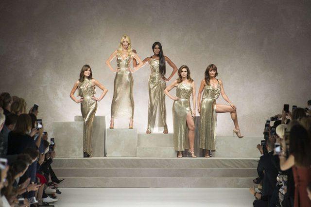 La sfilata tributo a Gianni Versace - Edoardo Alaimo13