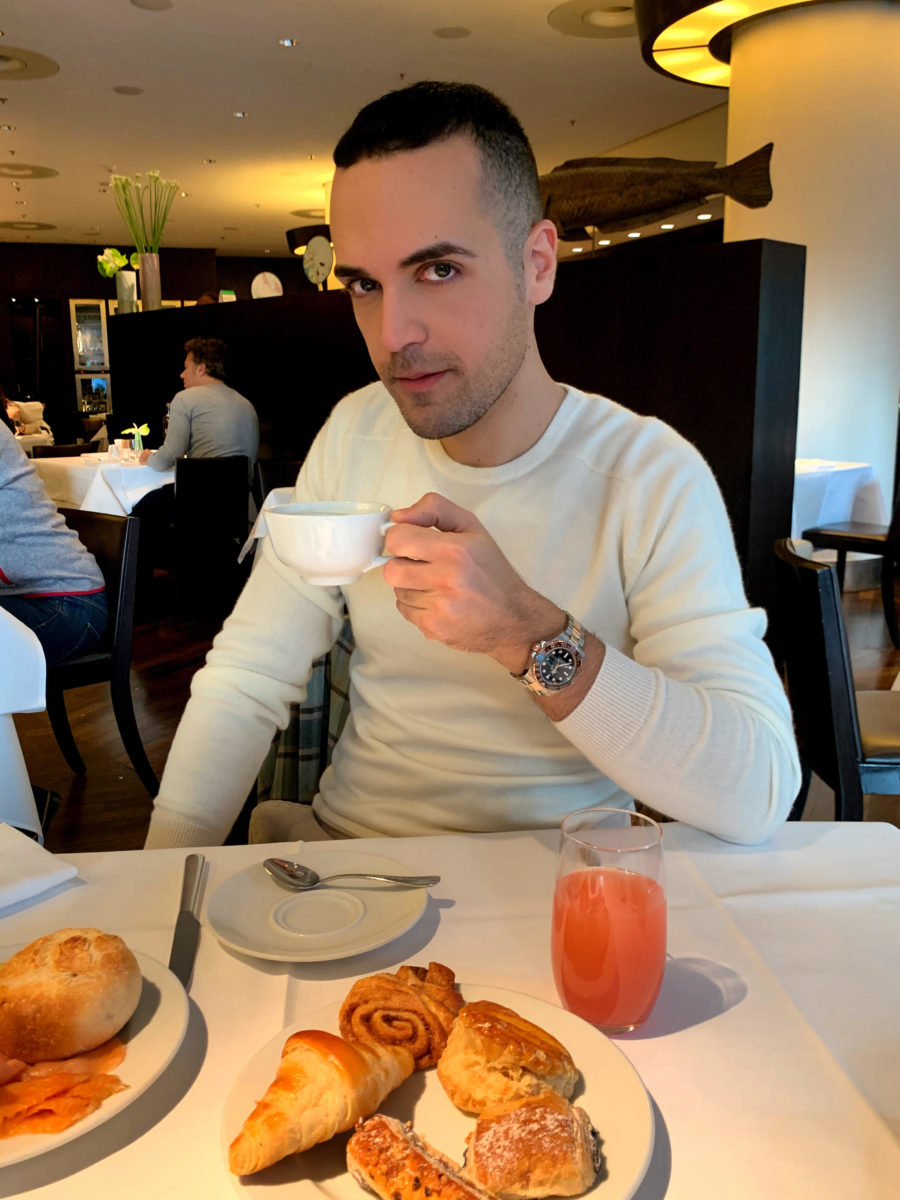 Edoardo_Alaimo_Hotel_Grand_Hyatt_a_Berlino_breakfast_1
