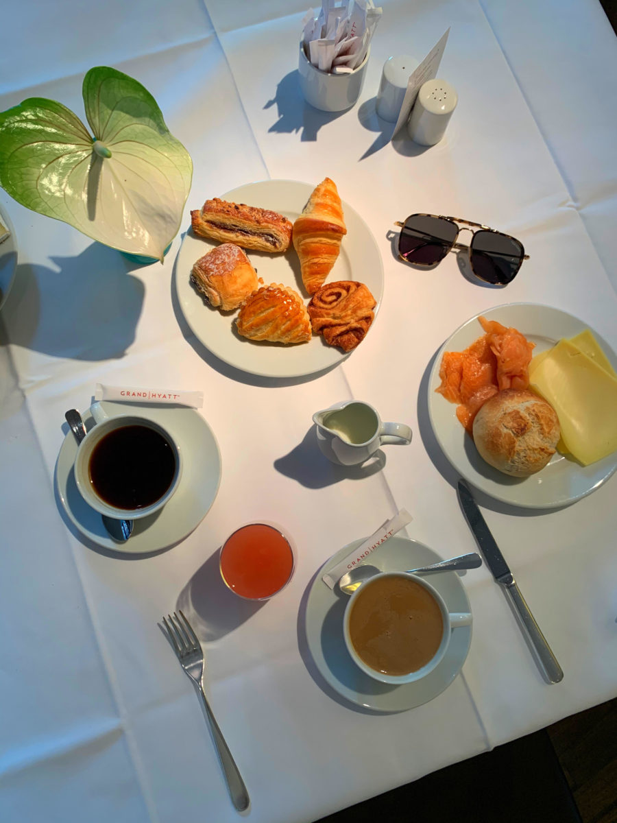 Edoardo_Alaimo_Hotel_Grand_Hyatt_a_Berlino_breakfast_3
